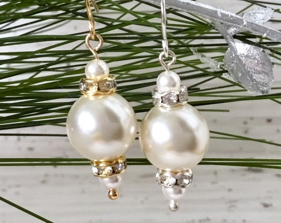Snow White Cream Pearl Earrings Chandelier Drop Swarovski Crystal Pearls Elegant Silver Gold Dangle Hooks Titanium Hypo Ladies Jewelry Gifts