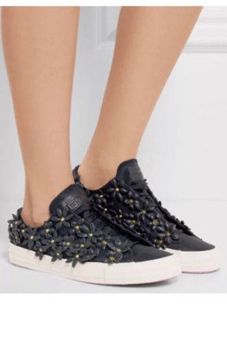 e455c6dbe392 Pat Bo Converse Leather Floral Laser Black Pink Low Top