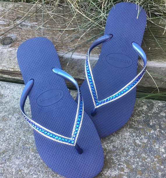 navy blue havaianas flip flops