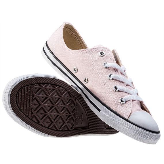 Matrimonio All Star Sneakers scarpa da sposa rosa Blush Dainty Converse Slip ai calci di sposa personalizzato w gioiello di strass di cristallo