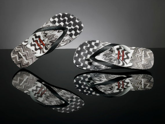 MISSONI Havaianas flip flops Black Zig Zag flat Rare Patch Work w/ Swarovski Crystal  Rhinestone Jewel Bling GlassSlippers Custom Thong Shoe