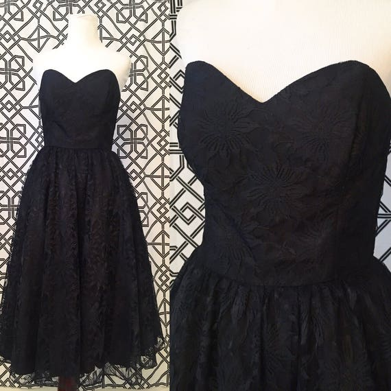 Vintage Sweetheart Swing Dress