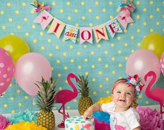 PINK FLAMINGO BANNER / 1st birthday girl / Flamingo banner / Cake smash banner / Flamingo birthday banner / Smash cake banner. Flamingo baby