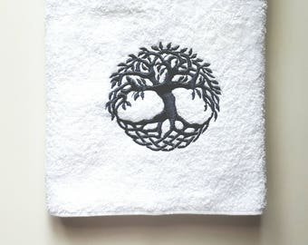 Tree of life Towel / Personalized Towel / Monogrammed Towel / Hand Towel / Bath Towels / Embroidered Towel