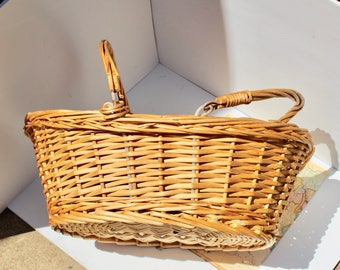 Wicker basket with handles, Market basket, garden basket, berry basket, French vintage, gathering basket, French basket, French country.