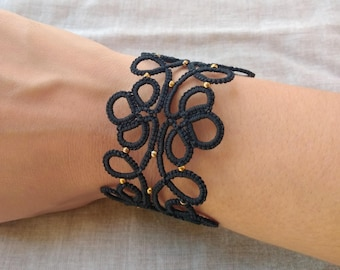 Black lace tatted bracelet , tatting lace , frivolite bracelet , lace bracelet , tatting jewelry