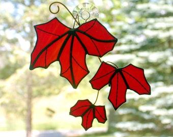 Maple Leaves Stained Glass Sun Catcher, Maple Leaf Suncatcher, Fall Leaves, Glass Art, Autumn Decor