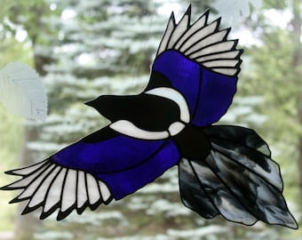 Stained Glass Iridescent Magpie, Bird Suncatcher, Gothic, Stained Glass Window Panel, Glass Art, Wildlife Art, Bird Lovers Gift