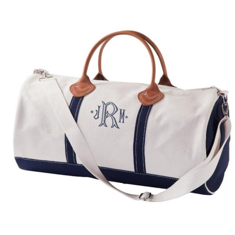 42cafbd71618 Duffle Bag Groomsmen Gift Bridal Party Gift Groomsmen duffle