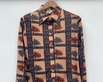 Vintage Autumn Themed Button Down Shirt 70/'s Vintage Autumn Leaves Themed Brown Polyester Button Down Shirt Size Small By Kingsport