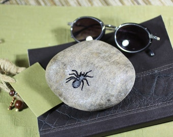 Spider engraved stone