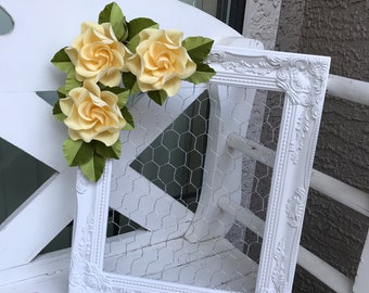 Chicken Wire Frame with Crepe Paper Gardenias / Jewelry Organizer / Memo Board / Bulletin Board / Jewelry Frame / Hair Bow Holder
