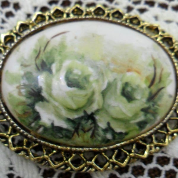 Vintage White Roses on Milk Glass Pin Brooch 1970s Gold Tone image 3