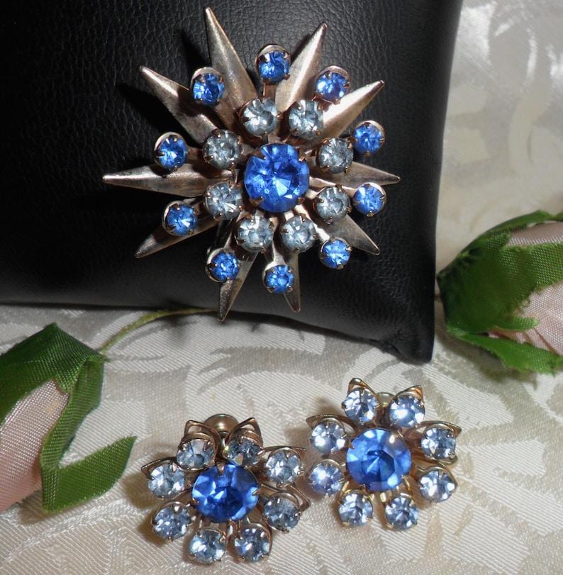 Stunning Vintage Blue Rhinestones Brooch Pin & Earrings image 0