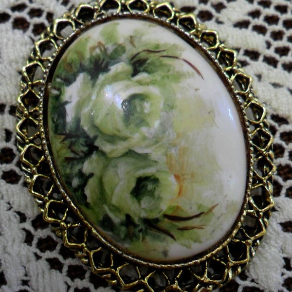 Vintage White Roses on Milk Glass Pin Brooch 1970s Gold Tone image 2