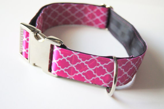 Chevron rose collier pour chien réglable tailles (M, L, XL)
