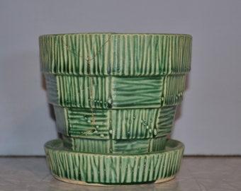 McCoy Basketweave Green Planter ~ McCoy Pot ~ Vintage Planter