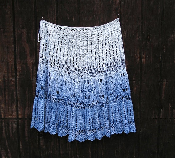 Vintage Clothing Blue Ombre Crochet Lace Skirt / B