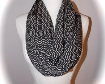 Super light stripes infinity scarf