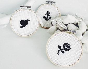 Mini Decoration Cross Stitch Kit - Rose Heart Anchor Tattoo Style Embroidery - Perfect Christmas Home Decoration Gift