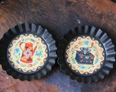 NOS Vintage PA Dutch Folk Art Tole ware Trays,Coffee Pot and Coffee Grinder set ,Tole Twins Amish Mini Tin Wall Plates, YORKCRAFT Inc