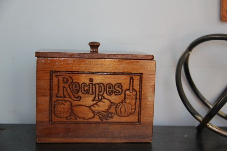 Vintage Wooden Recipe Box 4x6 Cards Lift Off Top Wooden Knob Solid Wood Recipe Box Vintage Carved Wood Recipe Box Large Recipe Box
