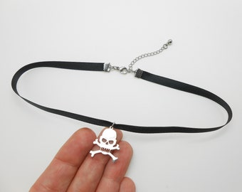 Choker for Halloween, choker end, dog collar, gothic collar, necklace, choker ribbon