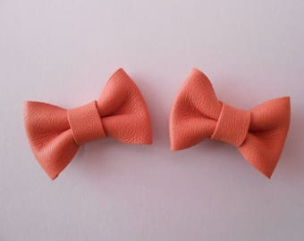 2 mini leather knot coral of 2 x 3 cm