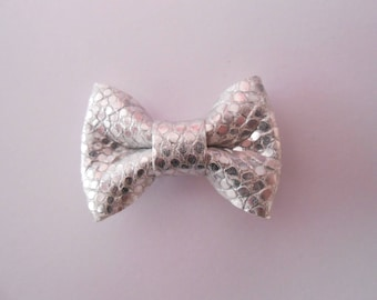 Mini leather bow silver sequins with 2 x 3 cm