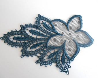 Lace pattern Navy 11 x 7 cm