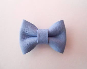Mini blue leather knot french of 2 x 3 cm