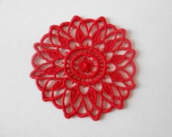 Rosette in red guipure of 5.5 cm