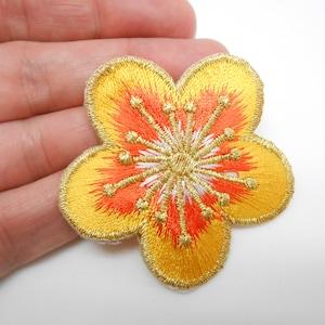 customization flower patch blue flower crest thermostick coat Flower lock hide a hole