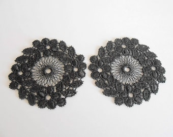 2 patterns in black guipure with 5 cm
