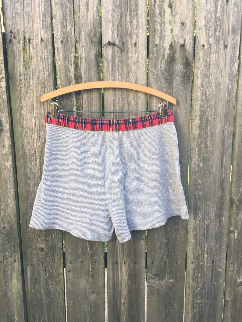 Vintage 90/'s Unbranded Gray Thermal Shorts with Red Flannel Style Waist Size Small