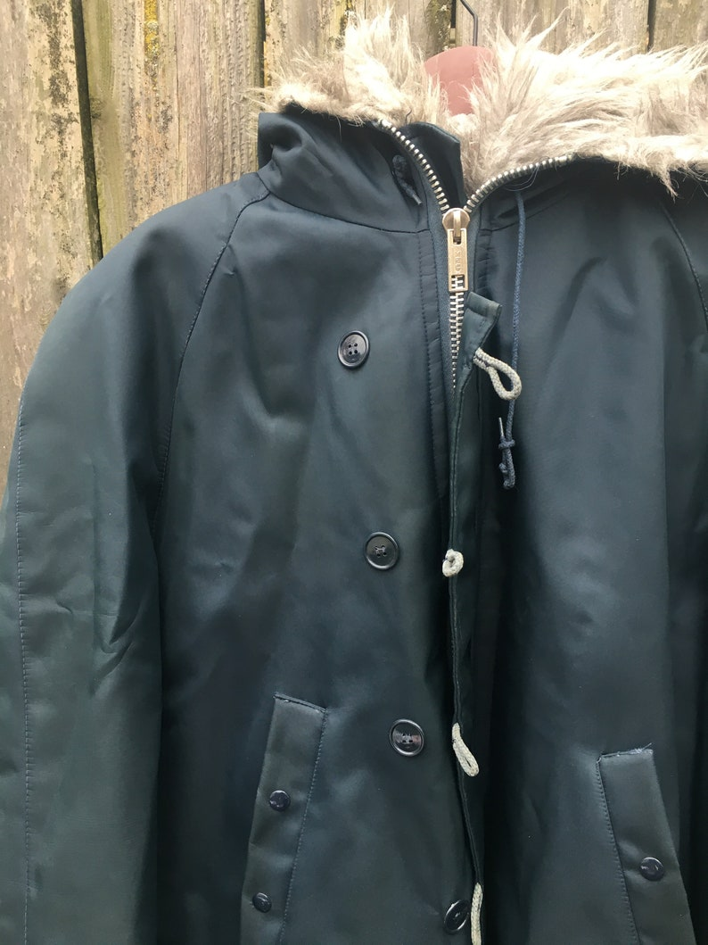 Vintage 80/'s Warm Wear by NESCO Navy Blue Faux Fur Hood Eskimo Style Winter Weather Parka