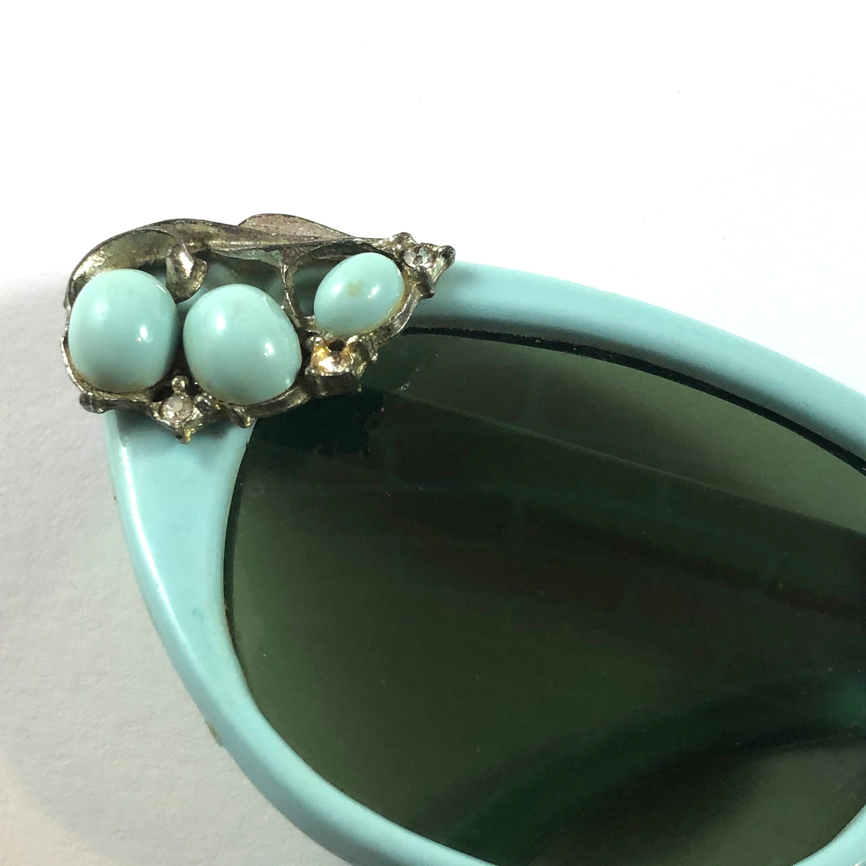 Vintage 1950s  1960s Robin's Egg Blue Cat Eye Sunglasses
