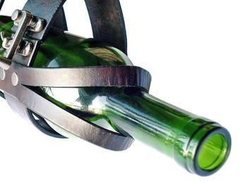 Customizable Leather Swing Clasp Wine Transporter