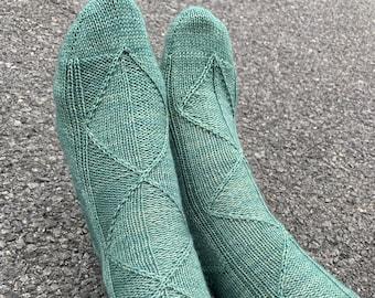 Vacillate knitting PATTERN / Toe Up Knit Socks / Fleegle Heel / Faux Heel Flap