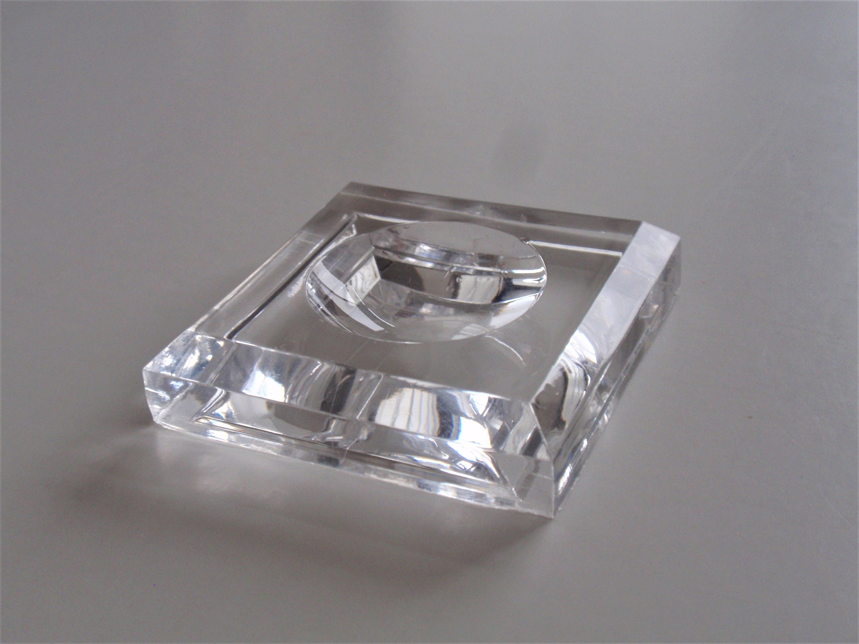 Clear Glass Sphere Square Dimple Crystal Ball Display Base Stand Holder Decor