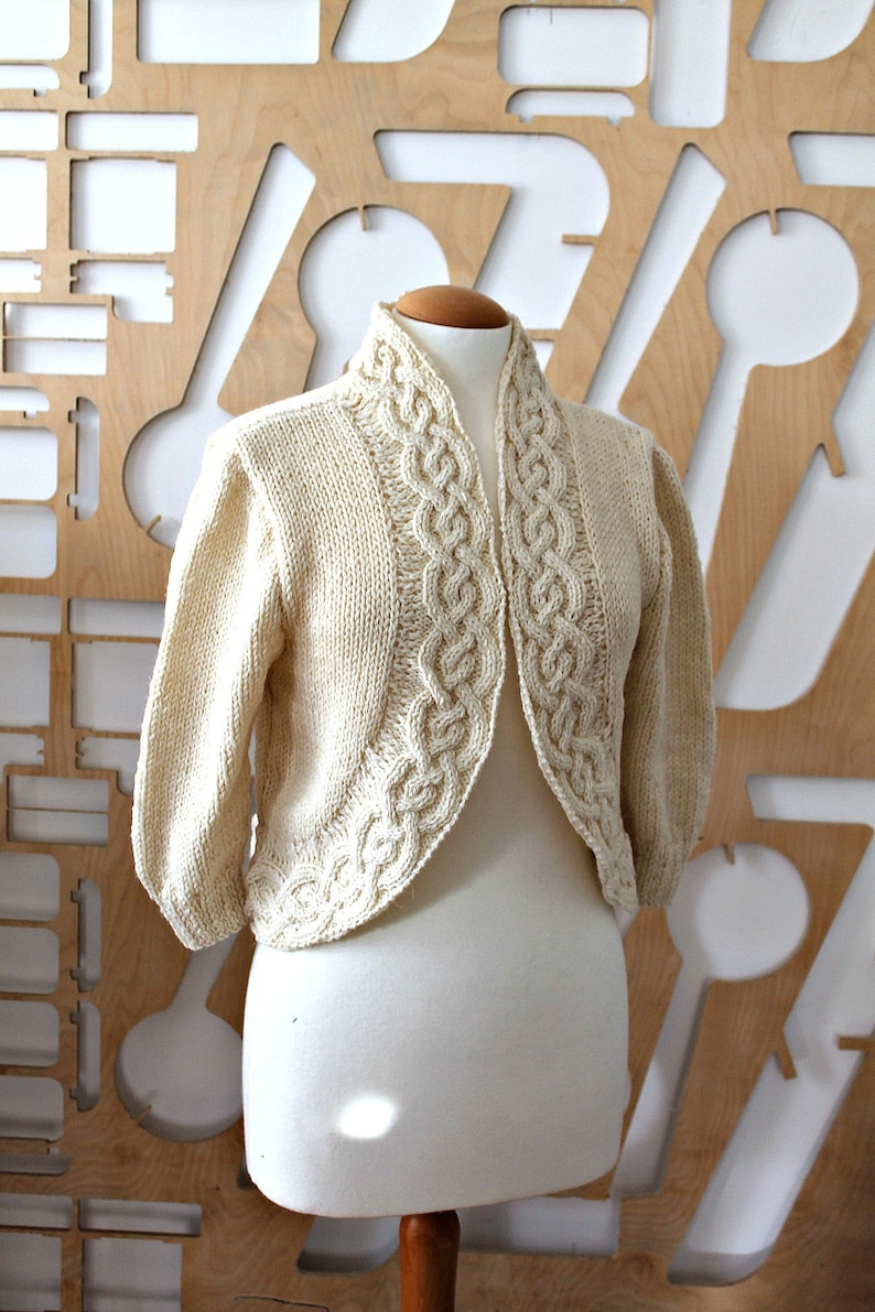 Aran cardigan Wool cardigan Organic wool Knitted jacket Short jacket Bridesmaid jacket Wool Cape Bridal Shrug Unbleached wool Boho Hippie