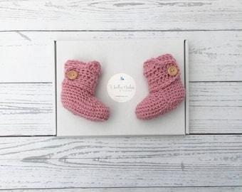 pink crochet baby booties, baby girl booties, new baby gift, pink baby shoes, baby shower gift