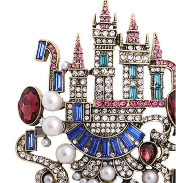 Exquisite Crystal & Pearl Castle Brooch Pendant!