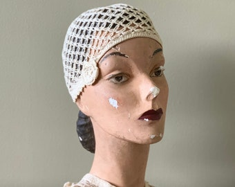 60s Does 20s Ivory Crocheted Skull Cap and Matching Collar with Flowers