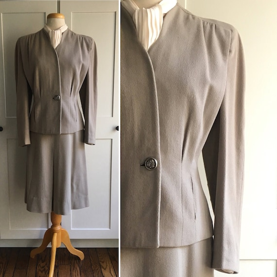 Late 1940s Early 1950s Gray two piece suit set