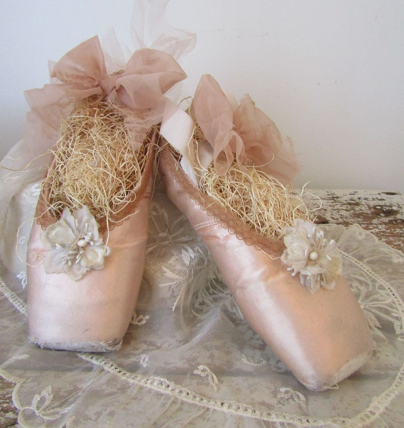 a58bac59856e Decorative ballet pointe shoes faded pink ballet slippers