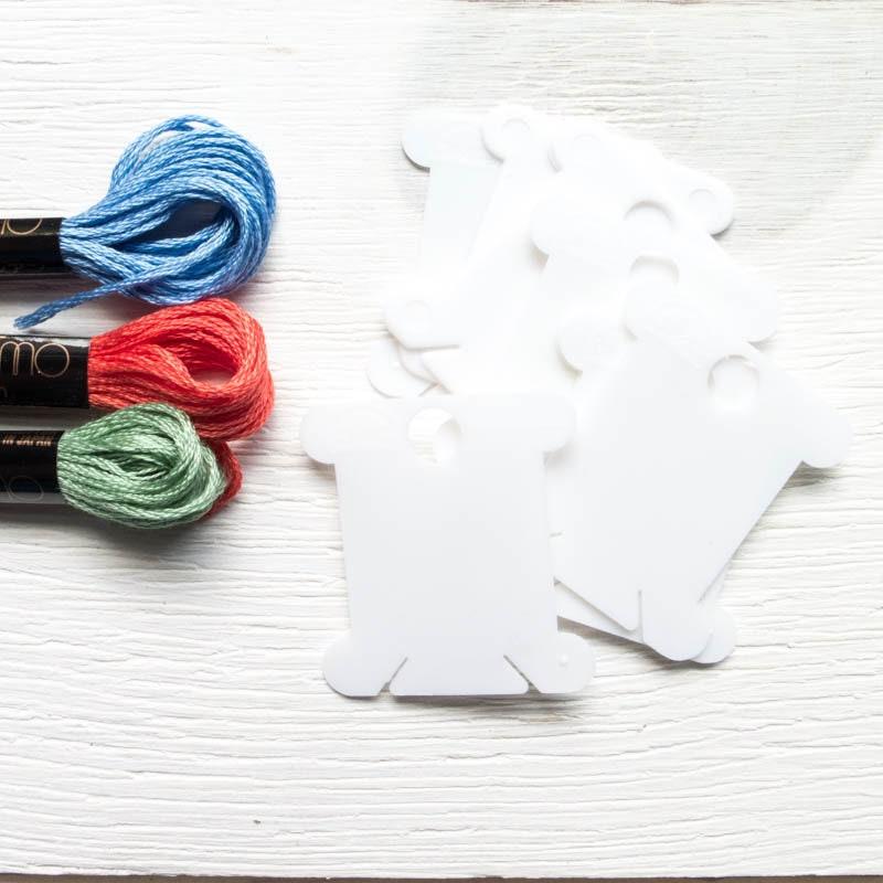 DMC 28 Plastic Floss Bobbins