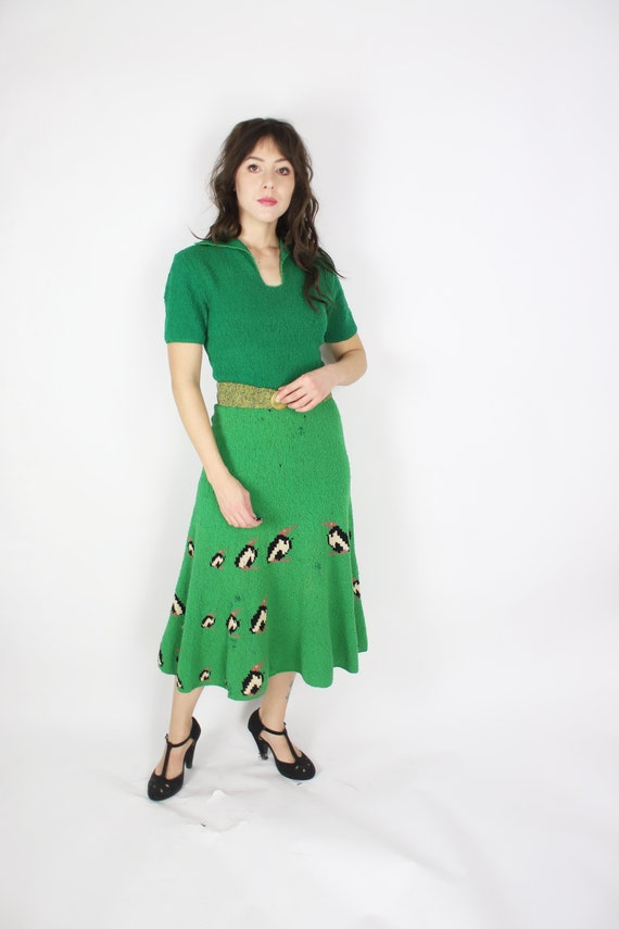 Vintage 1940s 50s small green knit bird dress