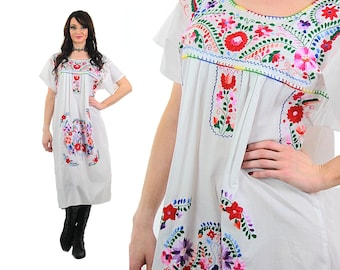 4c613724fb7 Mexican Embroidered Dress white Oaxacan dress Floral abstract cotton  sundress Vintage 70s Hippie Boho M Medium