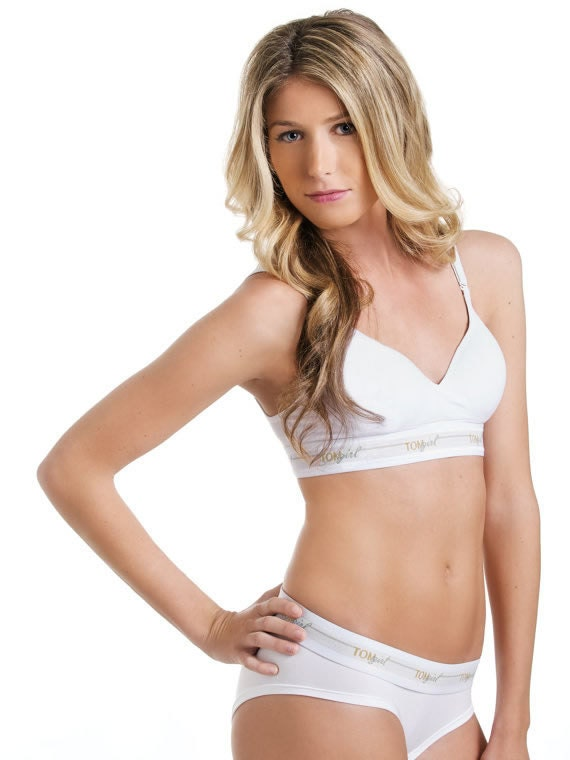 1bf7bb41c9625 32D White Bralette with Hook and Loop Closure White Petite